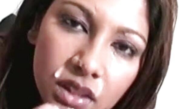 সুন্দরি সেক্সি মহিলার বাঁড়ার রস খাবার ব্লজব কালো কি সেক্সি