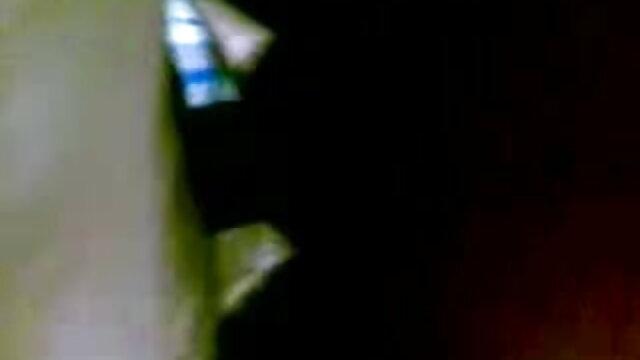 তিনে মিলে, সুন্দরি সেক্সি মহিলার, দুর্দশা, চিতাবাঘ, দ্বৈত মেয়ে ও এক পুরুষ সেক্সি কমেডি