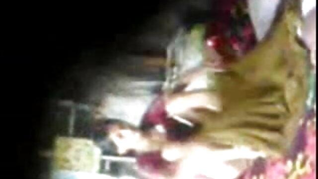 ভারতীয় কালো ডগী-স্টাইল হট সেক্সি নাচ