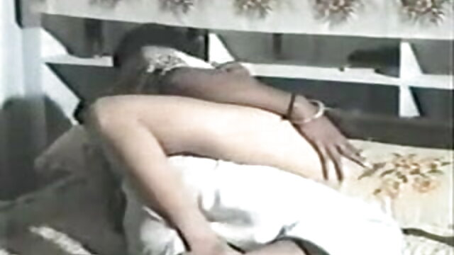রাশিয়ান জন্মানো, সক্রিয় সদস্য, বিছানায় এমনকি গুহ একটি অল্প বয়স্ক বন্ধু নতুন সেক্সি ভিডিও আনা