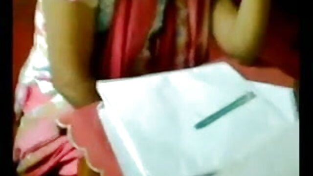 মোটা সেক্সি গান সুন্দরী বালিকা নকল বাঁড়ার মেয়েদের হস্তমৈথুন